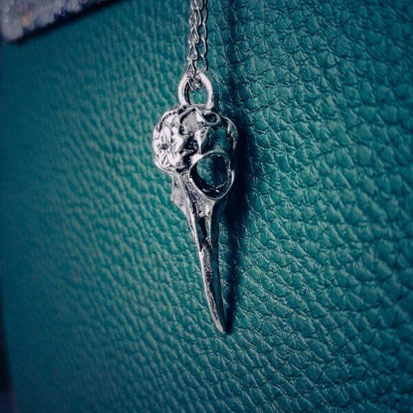 Vrana ogrlica srebrna Witchcraft