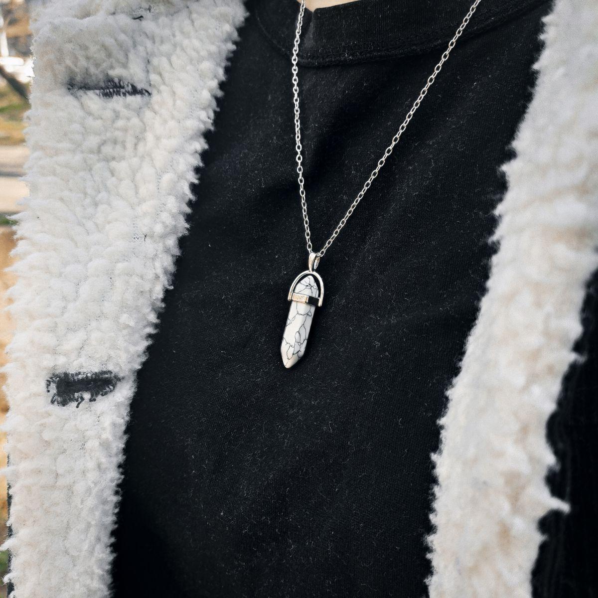 Beli Haulit Magičan kamen