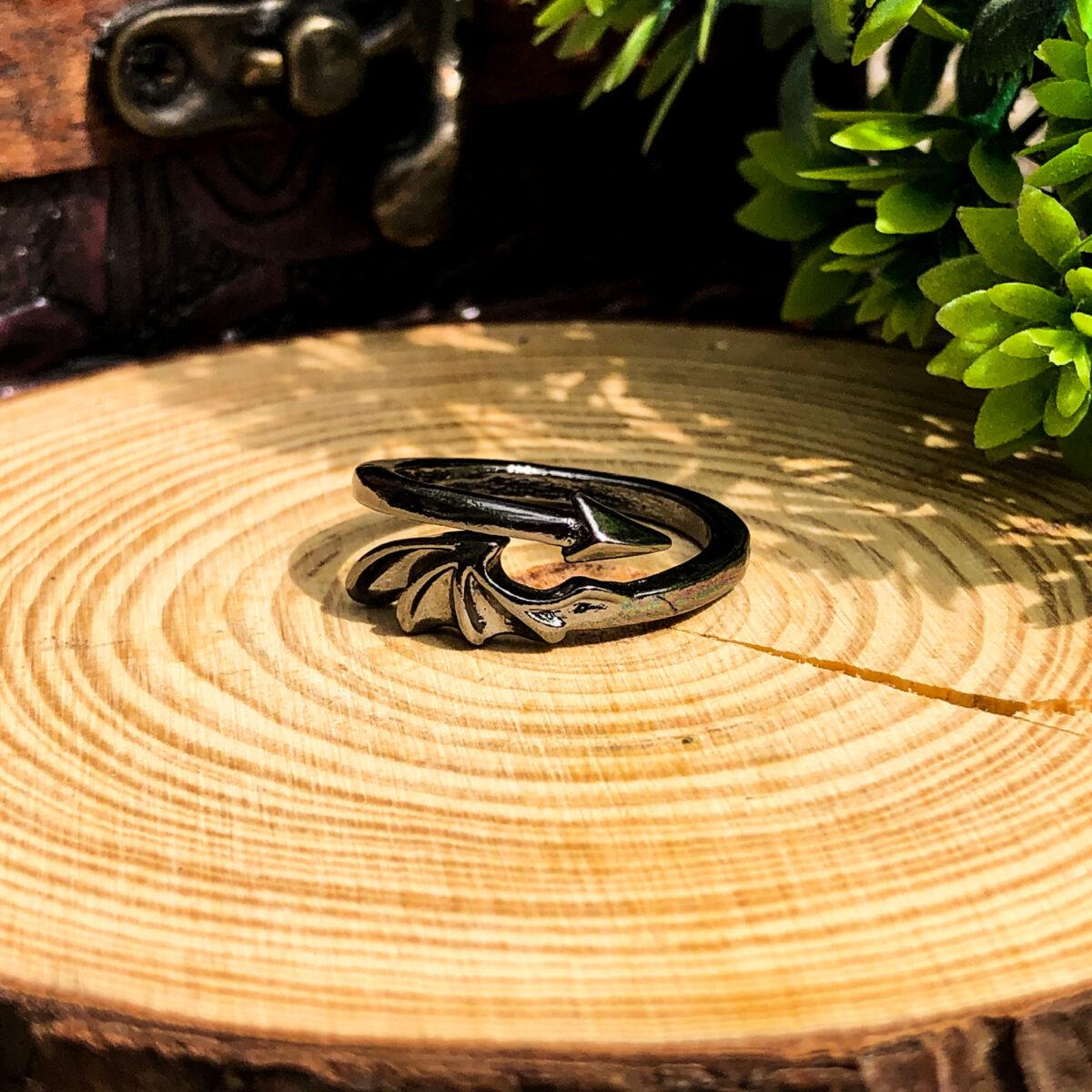 Krilo Zmaja prsten Witchcraft