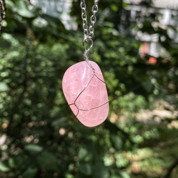 Grumen Roze Kvarc Magičan kamen