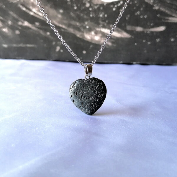 Srce lava kamen ogrlica